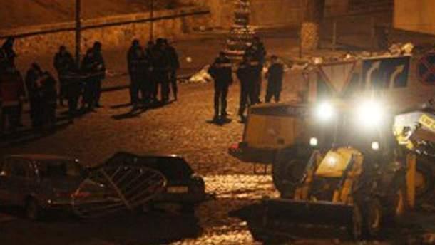 Грушевского расчищают тракторами