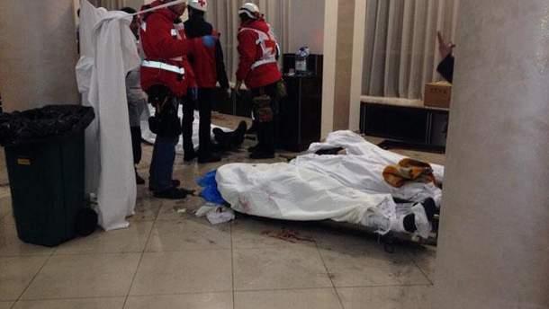 Загиблі у Києві у фойє одного із готелів