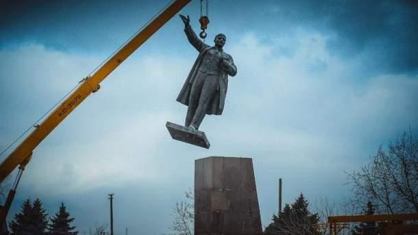 Демонтаж пам'ятника Леніну