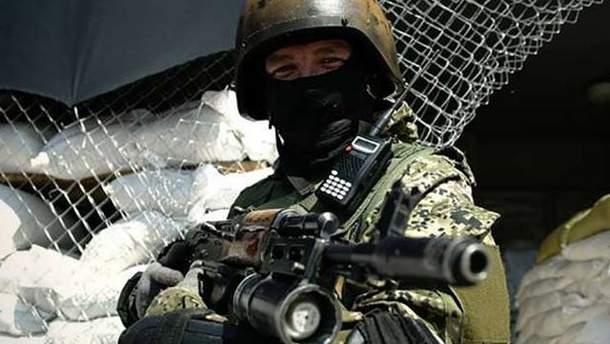 Терористи обстріляли два українські літаки