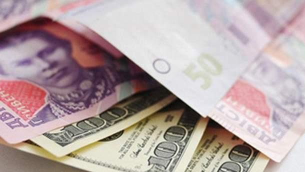Долари і гривні