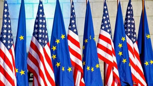 Прапори США та ЄС