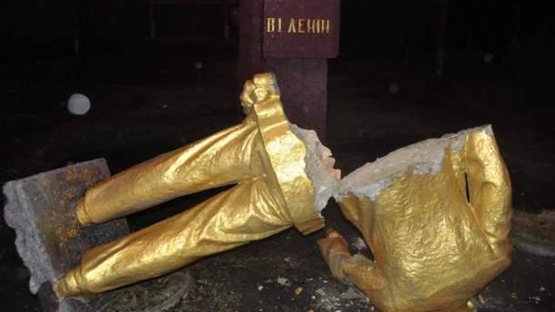 На Запорожье снесли 4 памятника Ленину