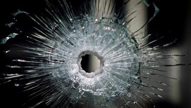 В маршрутке обстреляли три стекла