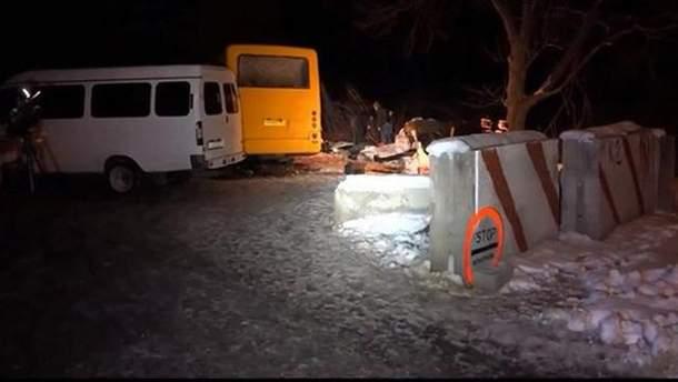 Підірвався автобус біля Артемівська