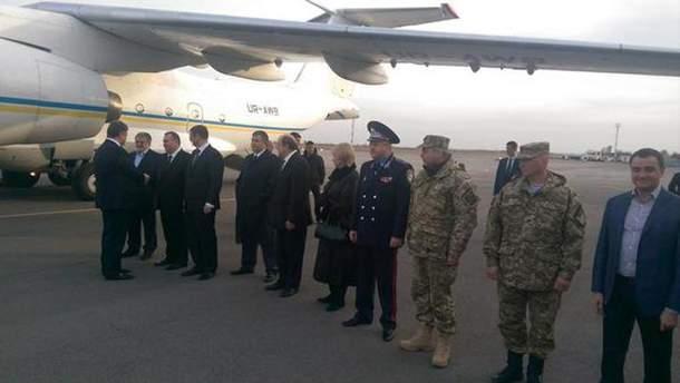 Порошенко прибув до Дніпропетровська