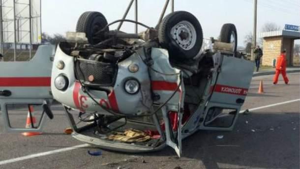 """Во Львовской области """"скорая"""" столкнулась с грузовиком. Есть погибшие"""