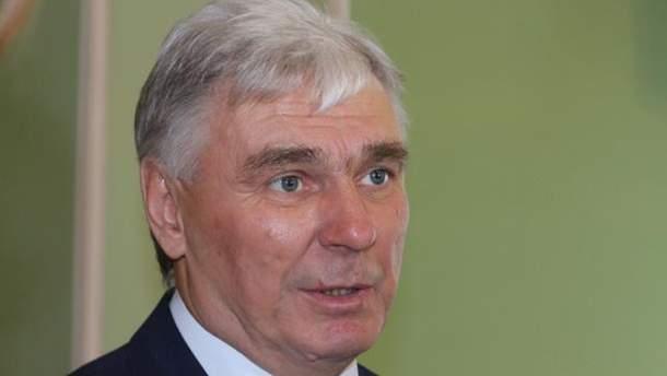 Виктор Пелых