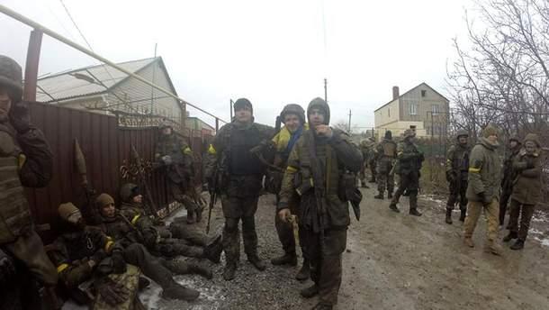 Украинские бойцы под Широкино