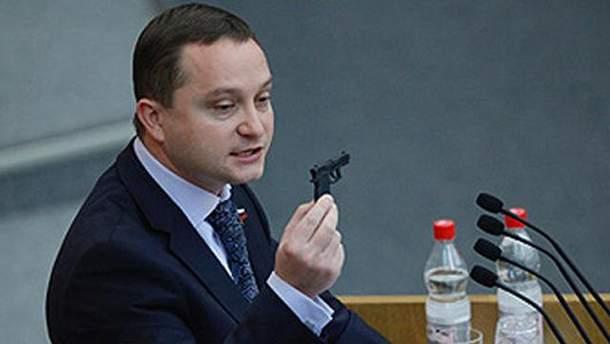 Роман Худяков