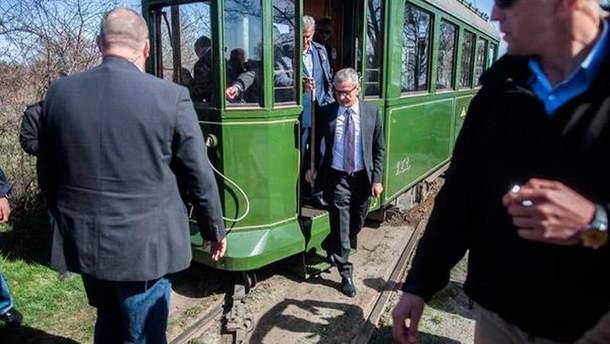 Бронислав Коморовский попал в ДТП в трамвае