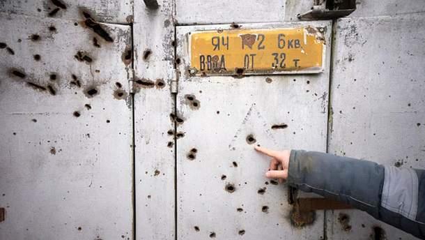 Последствия обстрелов в Луганской области