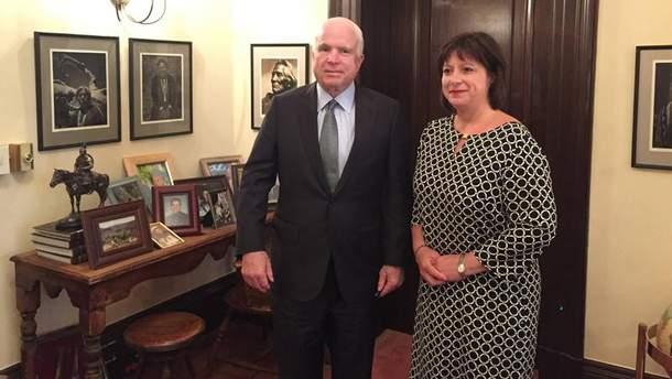 Джон Маккейн і Наталія Яресько
