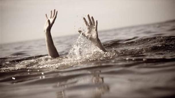Мальчик провел под водой более 40 минут