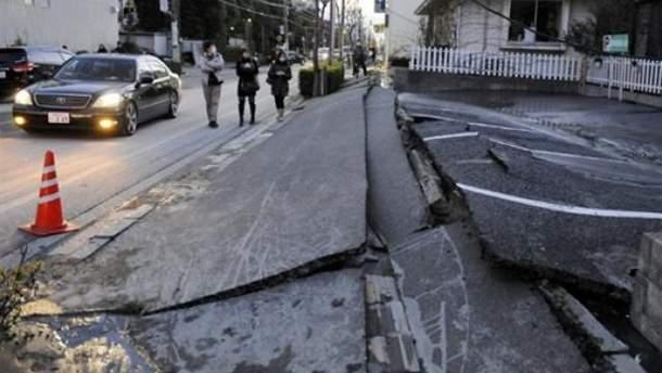 Японию потрясли два очень сильных землетрясения