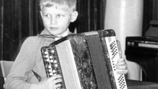 Олег Скрипка у дитинстві