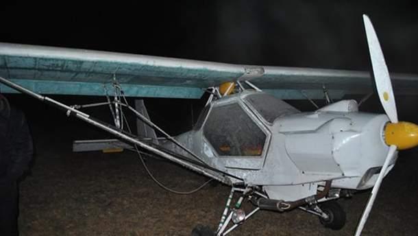 Пенсіонер розбився насмерть на саморобному літаку