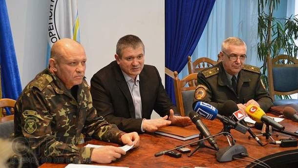 Юрий Пискун (слева)