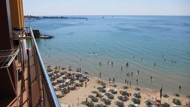 Пляжи в Крыму пустуют
