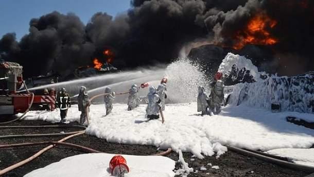 Тушение пожара на нефтебазе
