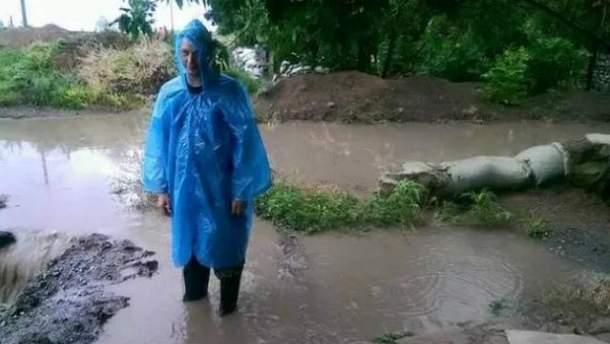 Злива затопила окопи