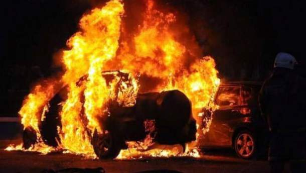 В Харькове сожгли авто