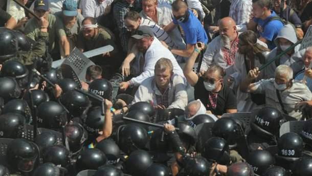 Игорь Швайка во время столкновений под Верховной Радой