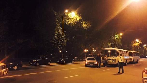 Полиция перекрыла Грушевского