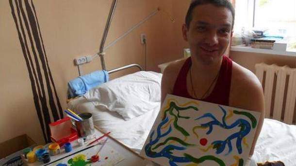 Фото дня: боєць АТО, втративши усі кінцівки, не втрачає оптимізму