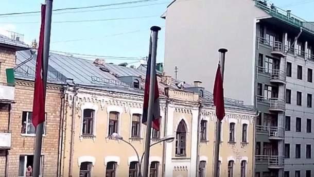Чоловік на даху