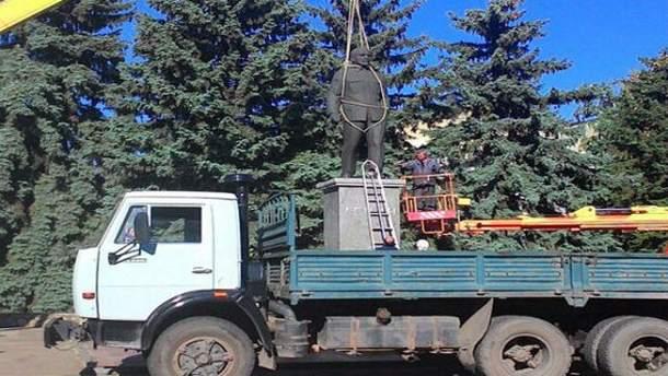 Памятник Ленину в Светлодарске
