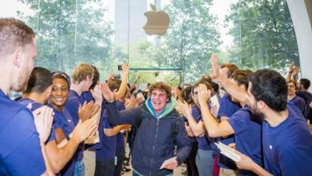 Открытие магазина Apple Store