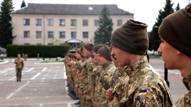 Солдати