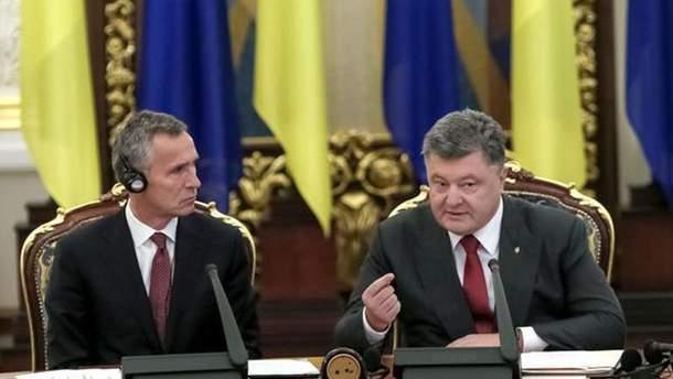Генсек НАТО Йенс Столтенберг и Порошенко