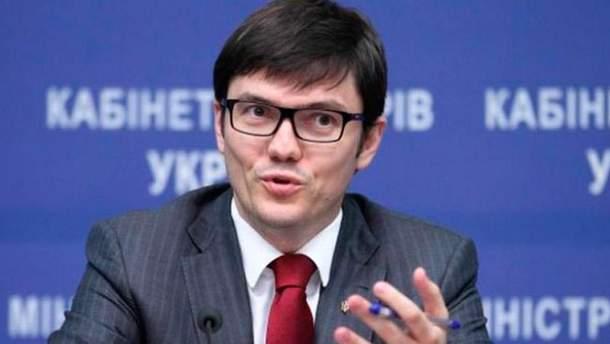 Андрій Пивоварськийї