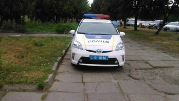 Поліція у Львові паркується проти правил