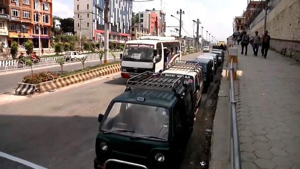 Автомобили в Непале