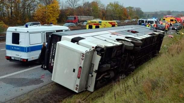 Автобус перевернувся у Німеччині