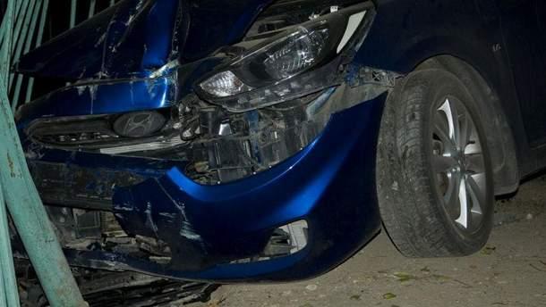 Розтрощене авто