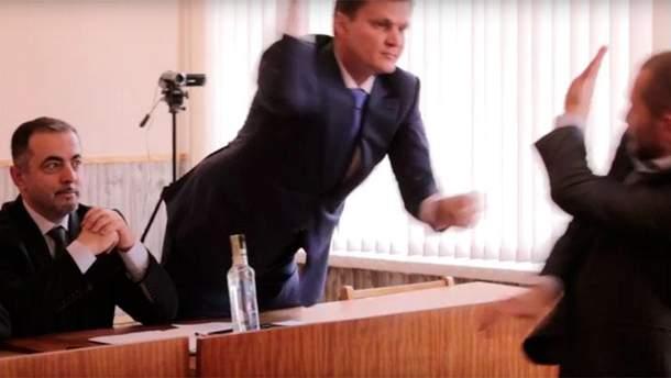 Депутаты подрались колбасой