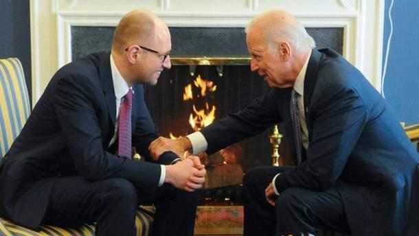 Арсений Яценюк и Джо Байден