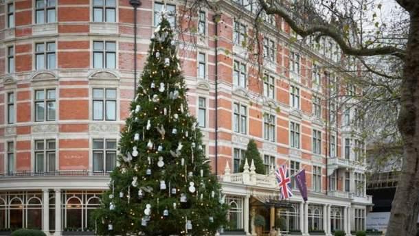 Необычная елка в Лондоне