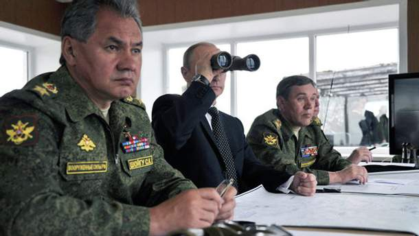 Володимир Путін і міністр оборони РФ Сергій Шойгу