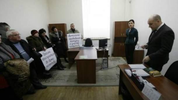Протестуючі співробітники інституту змусили чиновників прийняти свої вимоги