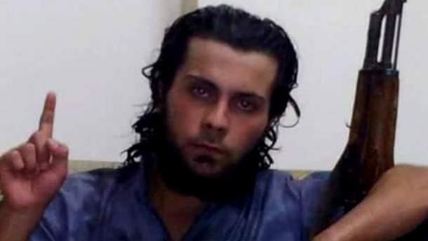 Али Сакр аль Касем, который казнил свою мать