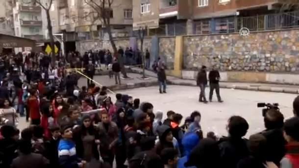 На території турецької школи