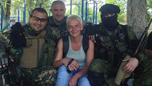 """Марія Столярова в компанії бойовиків батальйону """"Восток"""""""