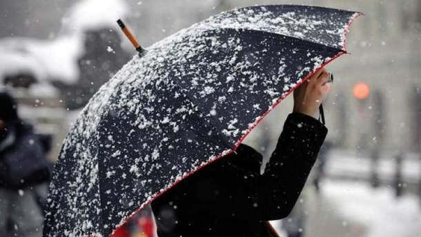 У середу на Прикарпатті очікуються значні дощі, також сьогодні та завтра у Карпатах можливий мокрий сніг