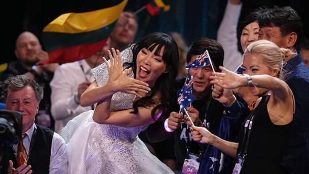 Австралийская певица Дами Им
