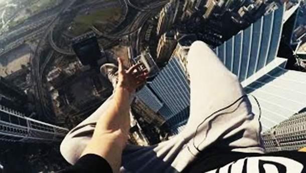 Руфер Мустанг на башенном кране